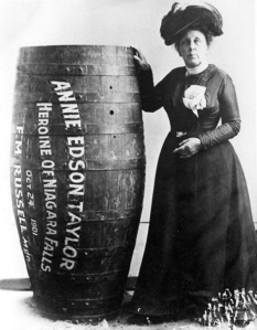 Niagara-Falls-in-a-barrel-1901