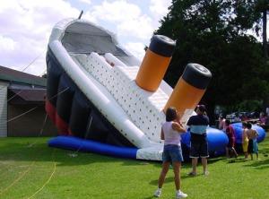 inflatable-titantic